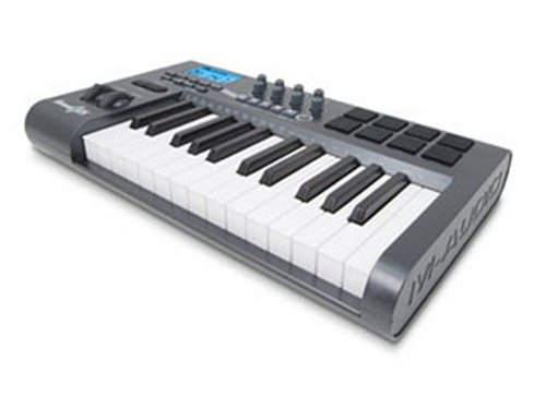 M-Audio Axiom 25 Advanced 25-Key Semi-Weighted Usb Midi Controller 9900-51411-10