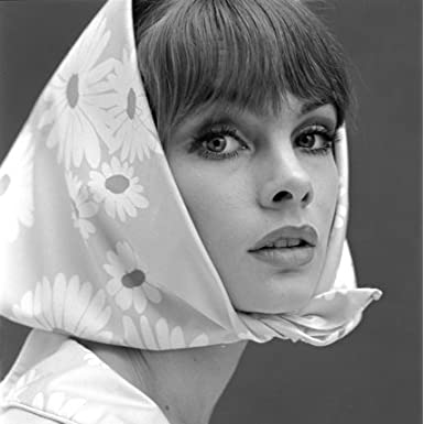 Jean Shrimpton with kerchief (Print On Demand)
