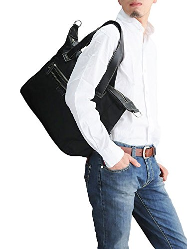 それはバッグがイイ感じなのです。いまやファッションこそ目立ち過ぎず地味すぎないシンプルな定番スタイルが最も幅を利かせていますが、そこに小物までフツーだっ