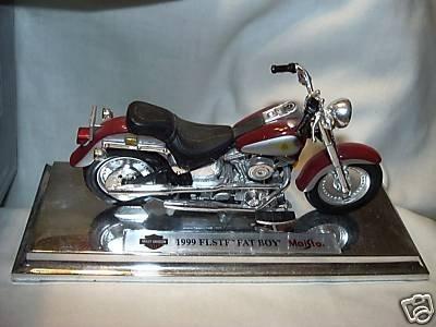 Harley-Davidson 1999 FLSTF Fat Boy Avon Maisto 1:18 Die Cast Motorcycle