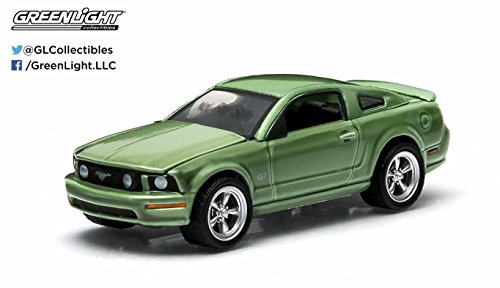 2006 Ford Mustang GT (Legend Lime) GL Muscle Series 11 Greenlight Collectibles 1:64 Scale 2015 Die-Cast Vehicle & Trading Card