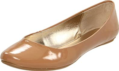Kenneth Cole REACTION Women's Slip On By Flat,Camel/Patent,5.5 M US