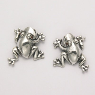 Frog Earrings with Garnet Eyes