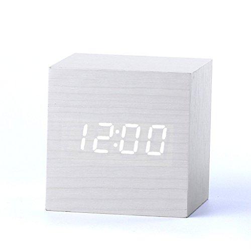 Forepin® Moderno Design Scrivania in Legno Orologio Mini Piazza Forma Desk Clock Termometro Orologio Sveglia Sound Control Orologi da Tavolo con Data Calendario Display di Temperatura Alimentato tramite Cavo USB o 3 Batterie AAA ( Bianco + Bianco )