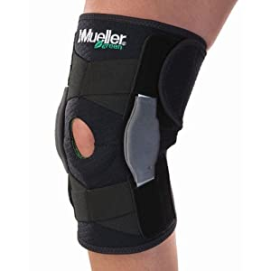 Mueller Self Adjusting Hinged Knee Brace, Black, One Size by Mueller