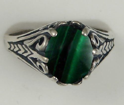 A Gorgeous Sterling Silver Filigree Ring Featuring a Beautiful Malachite Gemstone