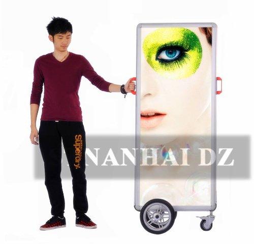 Stnanhai New Media,Indoor/Outdoor Display Exhibition Billboard,Walking Slim Battery Powered For Chrismas Promotion