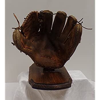 Vintage Clete Boyer Autograph Model 1035 Baseball Glove - Great for Mancave or Baseball Themed Decor (Free Shipping)