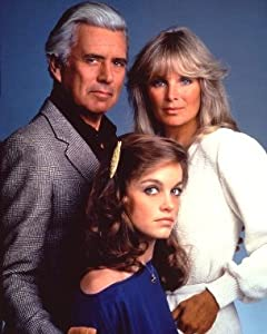 JOHN FORSYTHE BLAKE CARRINGTON , LINDA EVANS KRYSTLE GRANT JENNINGS CARRINGTON PAMELA SUE MARTIN FALLON CARRINGTON COLBY DYNASTY 8X10 PHOTO