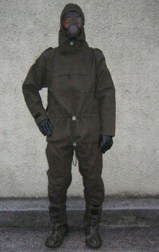 ABC-Schutzmaske mit Filter und ABC-Schutzanzug mit Stiefeln und Handschuhen (Overgarment)
