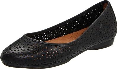 Clarks Women's Plush Bea Flat,Black Leather,7 M US