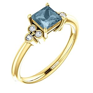 18K Yellow Gold Princess Cut Blue and White Diamond Engagement Ring