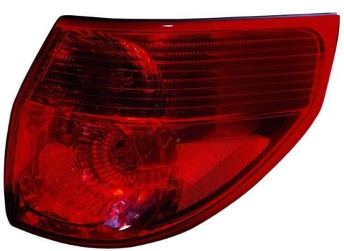 Toyota Sienna Replacement Tail Light Assembly - Passenger Side (Toyota Siena Wheel Cover compare prices)