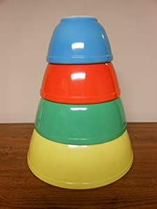 SET OF 4 - Vintage Pyrex Primary Colors Mixing Nesting Batter Bowl Set - Blue 1 1/2 Pint, Red 1 1/2 Quart, Green 2 1/2 Quart & Yellow 4 Quart