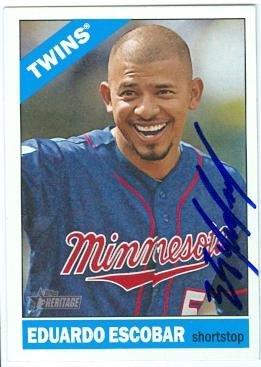 Eduardo Escobar autographed baseball card (Minnesota Twins) 2015 Topps Heritage #89