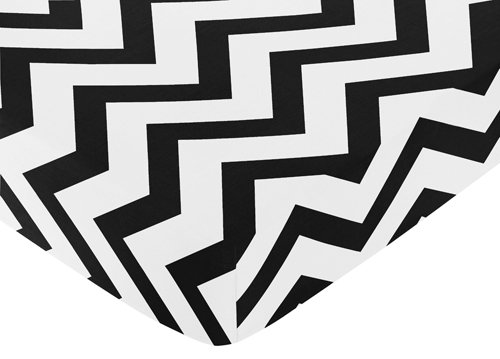 Fitted Crib Sheet For Black And White Chevron Collection Baby/Toddler Bedding By Sweet Jojo Designs - Zig Zag Print front-634961