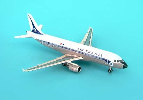 phoenix-air-france-a-320-model-airplane-by-daron-worldwide