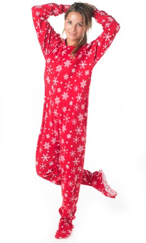 Whether she is young or old, every girl and young woman loves the Christmas season, and they will love these Christmas pajamas for girls. Christmas is a time of family and giving. Christmas is a time for decorations, holiday music, hot chocolate, and Christmas treats. She will enjoy all these Christmas activities while wearing a pair of new.