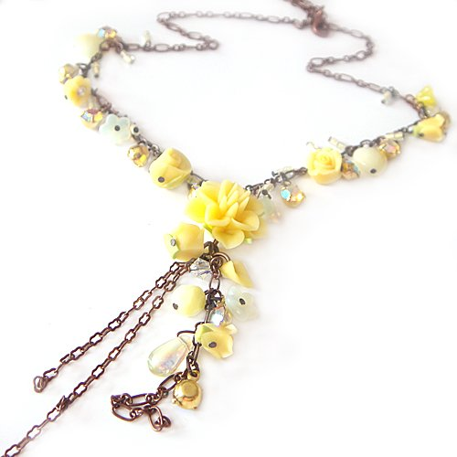 Retro Elegant Palce Crystal Rose Flower Bronze Necklace (Yellow)
