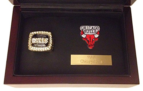 Chicago Bulls Championship Ring Display - Michael Jordan 1991 Replica w/ Cherry Wood Case, Plaque & Logo Patch - The Ultimate Bulls Gift (Chicago Bulls Display Case compare prices)