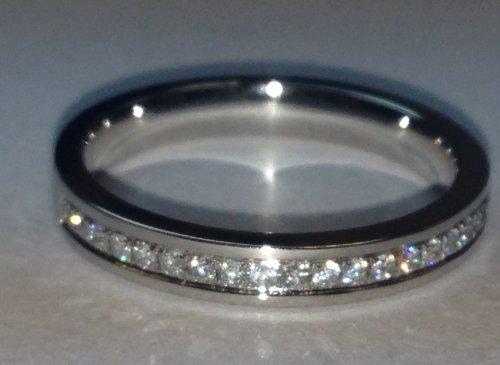 G/VS-SI 0.25Ct Round Diamond Half Eternity Wedding Band.
