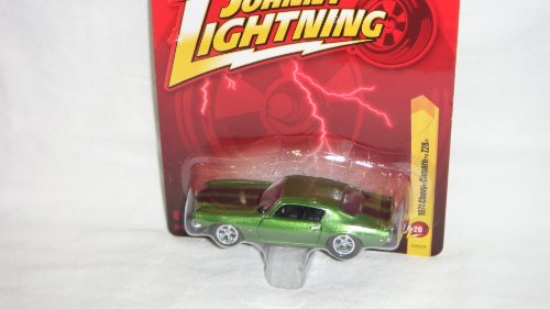 JOHNNY LIGHTNING R26 METALIC GREEN 1971 CHEVY CAMARO Z28 DIE-CAST COLLECTIBLE