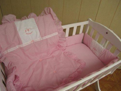 Imagen de Baby Doll Bedding Set guinga con el caballo mecedora Applique Cuna Ropa de cama, de color rosa