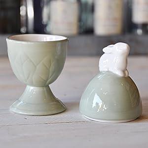 ラビット・エッグカバー/ウサギがモチーフの陶器の置物