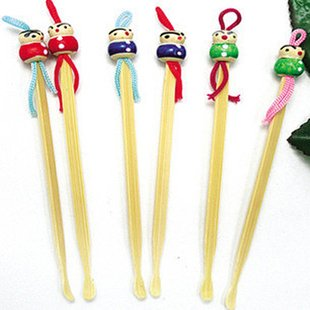 Umiwe(TM) Handmade Bamboo Oriental Doll Clean Ear Pick Wax Remove With Umiwe Accessory