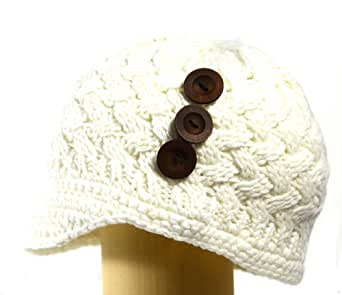 ACABK5269 Offwhite Hand Knitted Newsboy Hat with 1 inch short visor and 3 wooden buttons on the side for an all year round trendy look