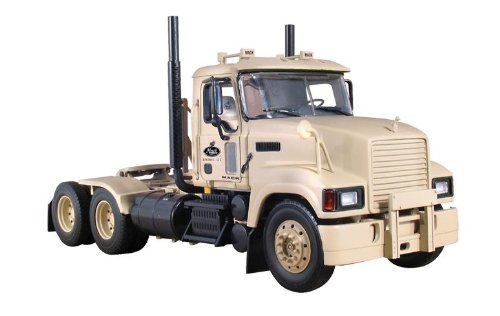 Military Pinnacle Axle Forward Tractor Defense, LLC 1/34 by First Gear 19-3973