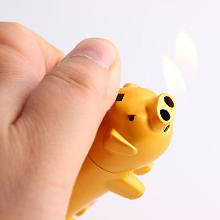 Unique Design Creative Pig Shape Metal Lighter Butane Gas Cigarette Lighter - One Lighter with Color Maybe Vary