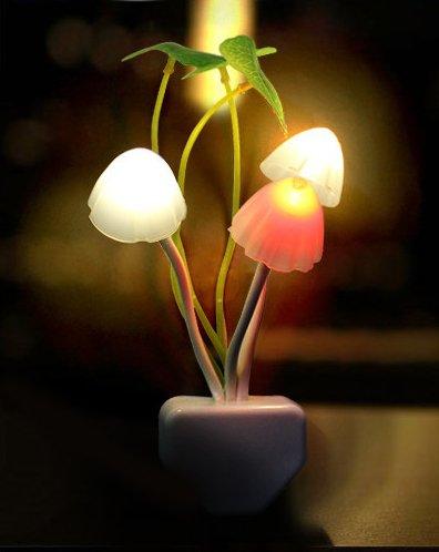 小夜灯 センサーナイトライト 予備灯 足元灯 七彩小夜灯 Small night light フットライト led感応小夜灯 光コントロール キノコ型 経済的 LED ナイトライト