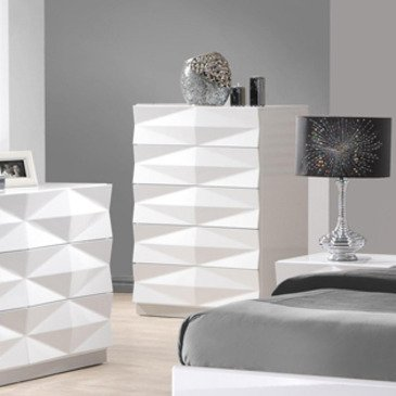 J&M Furniture Verona Chest in White Lacquer