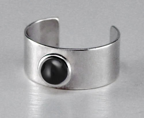 A Delightful Sterling Silver Ear Cuff Accented with Genuine Black Onyx