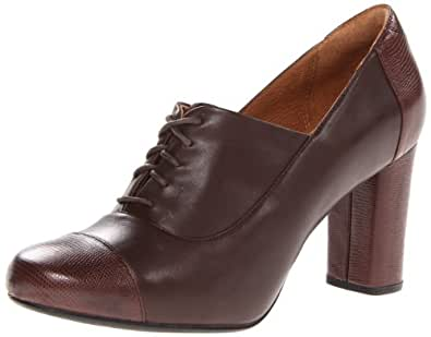 Clarks Women's Loyal Aster Oxford,Brown,10 M US