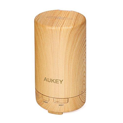 AUKEY USB Diffusore Oli Essenziali 50 ml con due Luci Colorate e Auto Spegnimento Mini Purificatore aria portatile per Auto / Ufficio / Camera da letto / Aula