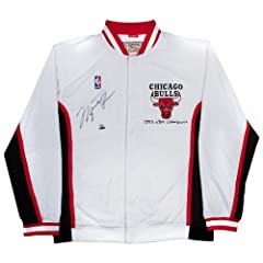 MICHAEL JORDAN SIGNED 1993 HOME AUTHENTIC WARM-UP JACKET UDA LE 23