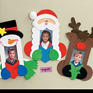12 Holiday Carolers Photo Frame Magnet Craft Kit