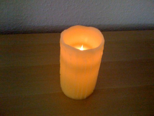 LED Echtwachs-Kerze 10 cm (flackert im Wind)