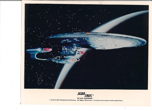 STAR TREK THE NEXT GENERATION USS ENTERPRISE NCC-1701D SPACE PHOTO LICENSED 1991