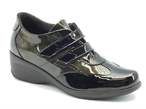 Sneakers Cinzia Soft in vernice testa di moro e taupe doppio velcro (Taglia 37)