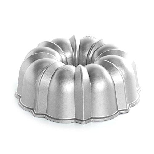 Nordic Ware Pro Cast Original Bundt Pan, 12 Cup (Cast Aluminum Bundt Cake Pan compare prices)