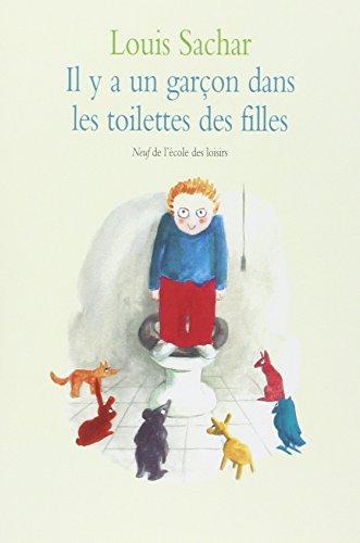 Il y a un garçon dans les toilettes des filles