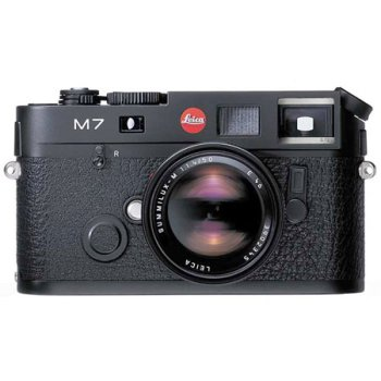 Leica M7 10546 35mm Rangefinder Camera with 0.72 Viewfinder and 50mm f/2.0 Lens (Black)