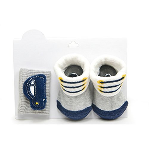Carter'S Baby Boy Wrist Rattle & Bootie Gift Set (Newborn) back-141992