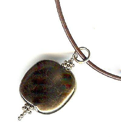 Kazuri Pendant Necklace - Shiny Antique Gold