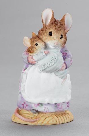 Beatrix Potter Miniature Figurine - Hunca Munca And Baby (A3956) front-301480