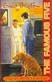 Five Go Off in a Caravan (Famous Five) Enid Blyton