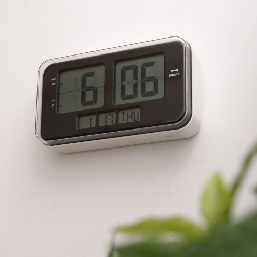 Idea retro digital flip clock large wall version in white White flip clock